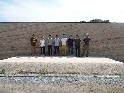 (左から)製材屋、建築士、移住交流支援センター、大工、大工、ガス水道配管屋、アーチスト、旅のコーディネーター