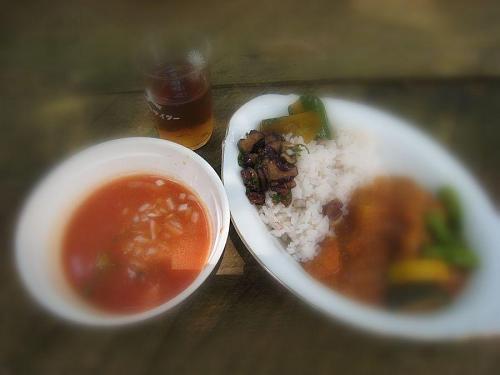 昼食のレシピなどは、チャンさんの「ばっかり食道」にお任せすることにします・・・。