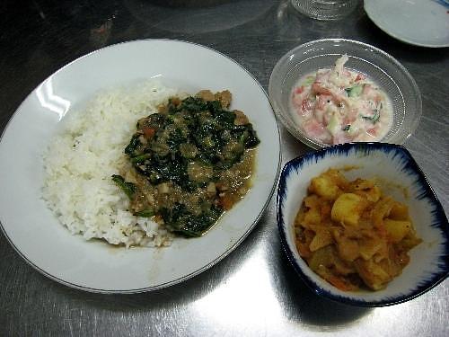 おいしそうなインド料理の完成です。