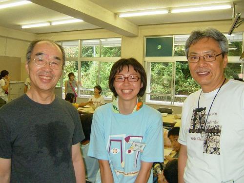 左から、今井先生、マーボ清水さん(学生)、瓦井秀和先生です。