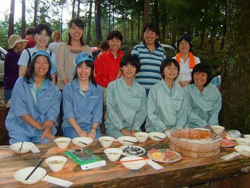 食事を用意して頂いた、城西高校の先生と生徒様たちです。