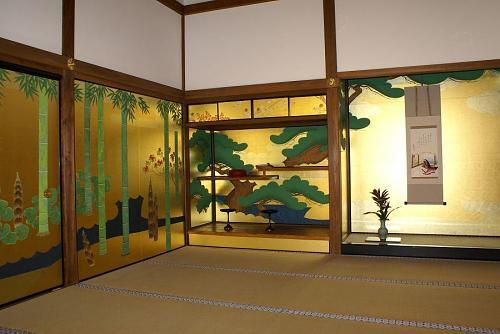 桃山文化の雰囲気がよく出ています。