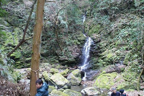 神山町上分にある「おおとしの滝」