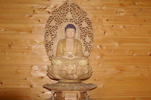 勧善寺の釈迦如来像