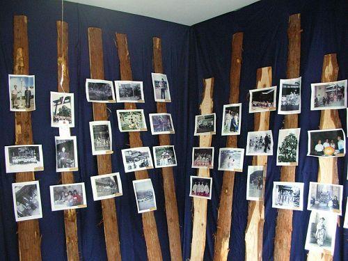 上角想い出写真展。地元のおっちゃんおばちゃんたちがよくたむろしてます。