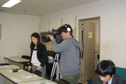 NHKの取材陣や各新聞社の記者も入り取材を受けました。