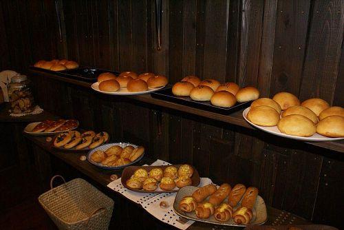 いろんな種類のパンが焼きあがっていました。