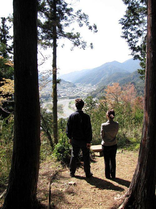 少し霞んでいましたが、大粟山からの景色の美しさを満喫された様子でした。