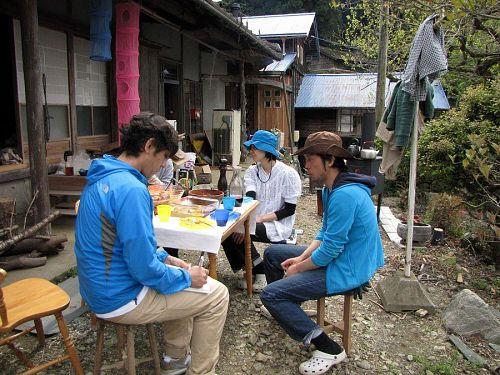 昨年10月に移住の大塚学・さやかさん。「和」と「トスカーナ」が融合したステキな空間を生み出しています。