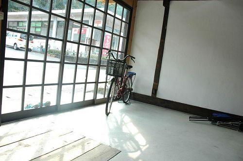 空家町屋の自転車