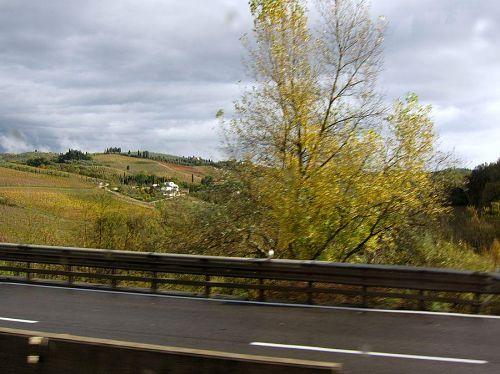 時速130kmで疾走するバスからは、良い写真が撮れません。残念至極!(2010年11月10日09:42CET)