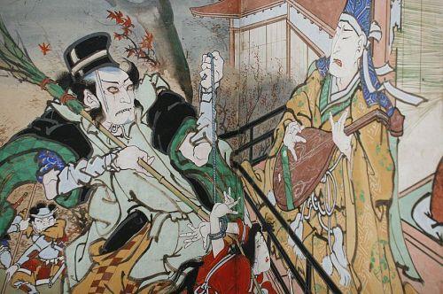 目の前で娘を縛り上げられ、苦痛に顔を歪めながら琵琶を演奏するひと。