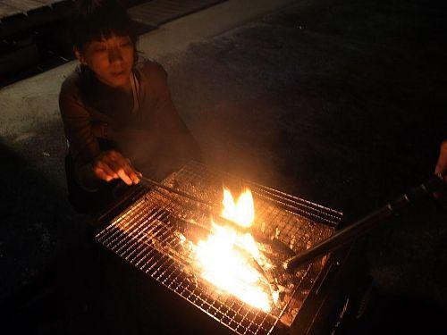 秋刀魚焼き中