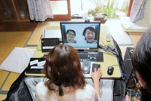 画面の向こう側、三三本社にいるクローズアップ現代出演者組(日比谷尚武さん、千住・エドワード・洋さん)との会話を楽しまれました。