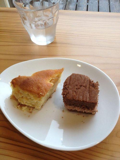 その後は下のカフェスペースでケーキセットをいただきながらまったり。