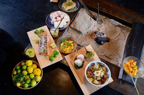 猪鍋や新米のおにぎり、すだちパウンドケーキなど、たくさんの方にご協力いただき、神山の食材をふんだんに使うメニューを提供します。