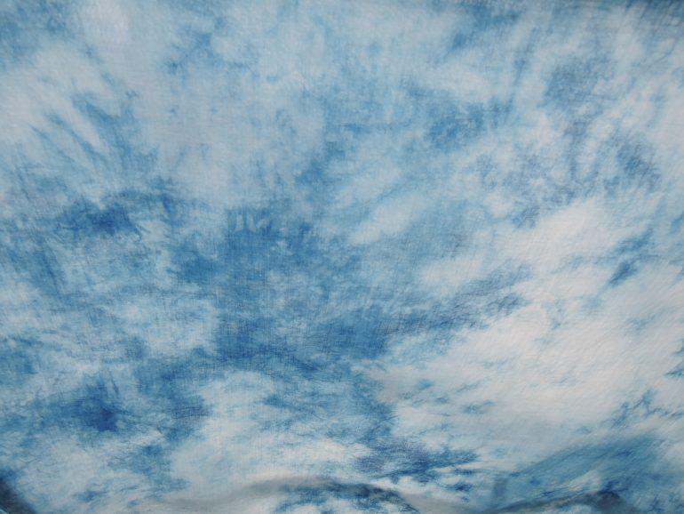 (雲が浮かぶ青空みたい!)