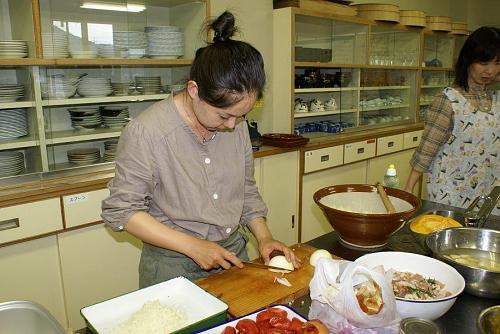 安岐理加さんのメイン料理は地元の食材を使った「神山の恵」、トマトソースニョッキ、パンプキンプリン