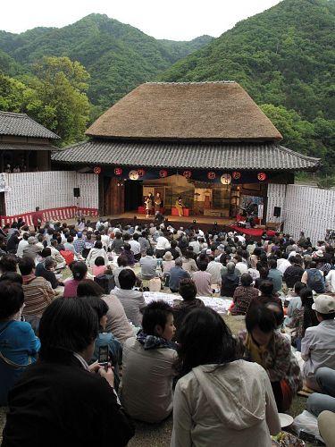 山と農村歌舞伎