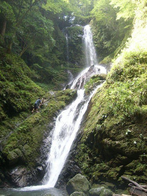 雨乞いの滝にも登りました!